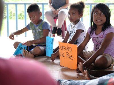 Niños Bajo San Juan