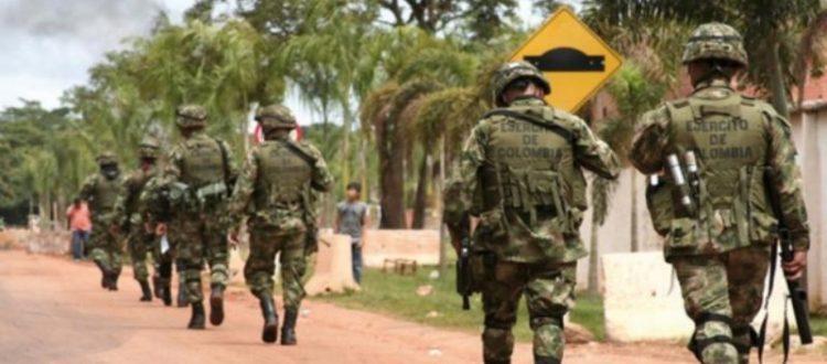 Militares espalda